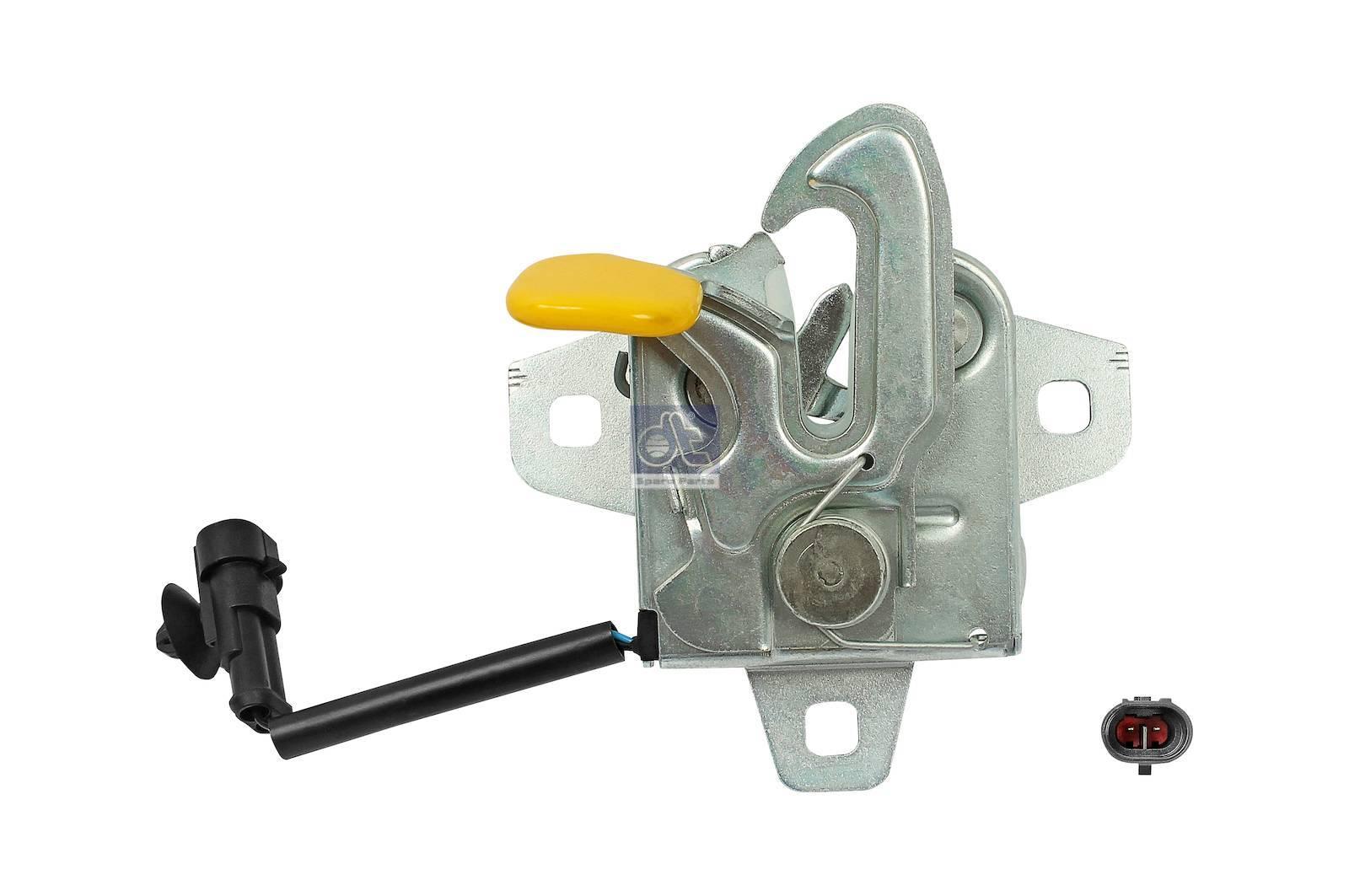 Engine hood slot